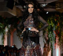 As from the sources she walked the ramp for designer duo Shane and Falguni Peacock at the ongoing India Bridal Fashion Week, Neha Dhupia insisted she has no plans to tie the knot because she feels getting married is like