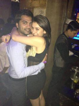 Simbu Party with Hansika Motwani Photos, Haniska Parties with STR, Actor Simbu Party with Hansika Photos, Actress Hansika Motwani Birthday Party 2013 Stills