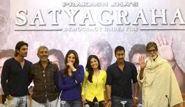 Satyagraha Movie Review, Amitabh Bachchan in Satyagraha Review, Bollywood Movie Satyagraha First Show Talk, Hindi Film Satyagraha,Sathyagraha Review Ratings