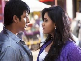 Yaan, the first directorial venture of cinematographer Ravi K. Chandran is progressing in brisk pace. Presently, film's lead pair Jeeva and Thulasi Nair are shooting for a romantic song in Mumbai.