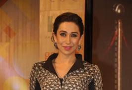 Karisma Kapoor at Globoil India Awards 2013,Karisma Kapoor Hot Images, Karisma Kapoor latest images, Karisma Kapoor awards, Karisma Kapoor bio data, Karisma wiki, Karisma Kapoor hot stills, kareena kapoor sister, Karisma Kapoor hot photos