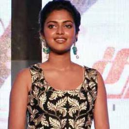 Happening South Indian actress Amala Paul is running short of dates and reportedly turned down her Bollywood debut opposite Akshay Kumar for the Hindi remake of Tamil film Ramana.