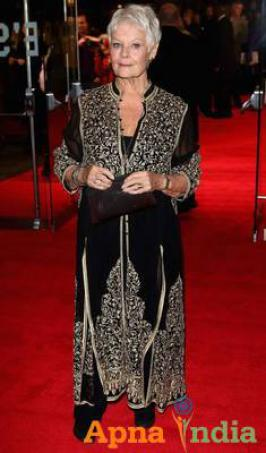 Legendary British actress Judi Dench seems to be in love with Indian fashion creations. After flaunting a Lucknavi chikan embroidery ensemble by Abu Jani-Sandeep Khosla at the Venice Film Festival, she opted for one of the designer duo's design once again for the 57th BFI London Film Festival.
