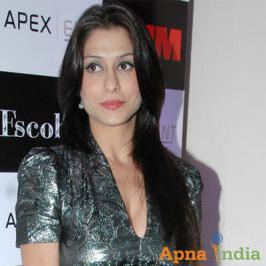 TV actress Shilpa Agnihotri had to leave her husband Apoorva Agnihotri alone in the