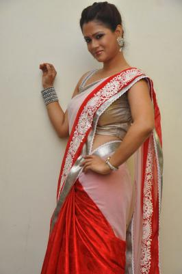 Telugu Anchor Shilpa Chakravarthy At Palnadu Audio Launch Photos