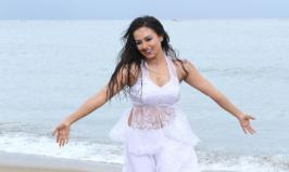 HOT WALLPAPERS WORLD: Sana Khan in hot white dress