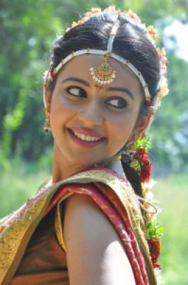 Rakul Preet Singh New Stills . Tollywood new movie Rough Movie� Onlocation Stills , Aadi hero ,Rakul Preeth Singh are playing lead role in this movie