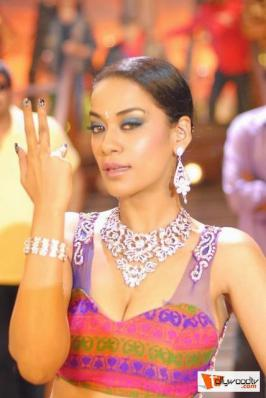 Mumaith Khan Latest Hot Photos,Mumaith Khan Item Song Photos,Mumaith Khan Latest Photos,Mumaith Khan Hot Photos,Actress Mumaith Khan Latest Photos,Mumaith Khan Hot Photos,Mumaith Khan Spicy Stills