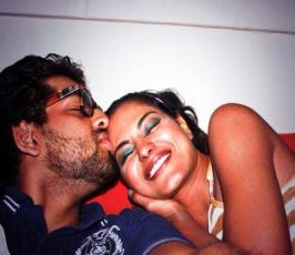 SHOCKING ! Was Veena Malik pregnant ? watch this