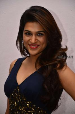 GALLERY,HEROINE GALLERY,Shraddha Das cute stills,Shraddha Das latest cute stills, HEROINE HOT PICS, Shraddha Das latest 