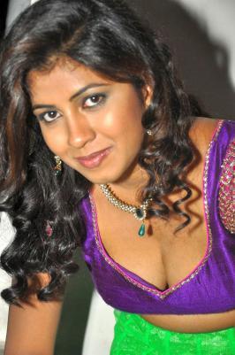 Geethanjali Hot Stills, Geethanjali Latest Hot Photos, Geethanjali Hot Pics, Geethanjali New Hot Gallery