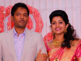 National Award winning actress Meera Jasmine married engineer Anil John in a church in the state capital Wednesday.