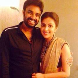 As we reported viewers earlier, director AL Vijay and Amala paul are all set to enter the wed lock and their parents have arranged for their marriage in June.