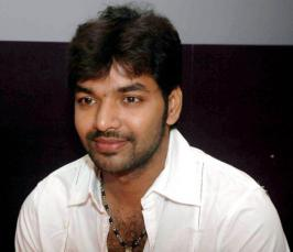 Actor Jai who has romanced top notch South actresses Anjali, Nayantara, Swathy Reddy and others including Bollywood beauty Sunny Leone will act together with nine heroines in his next film.