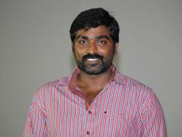Happening actor Vijay Sethupathi is said to be in talks with Ennamo Nadakadhu director Rajapandian to play one of the lead roles in his upcoming movie with Vijay Vasanth. Remember, Ennamo Nadakadhu unit have announced that they want to team up for one more movie with same squad including Vijay Vasa