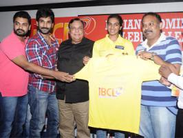 After the Celebrity Cricket League that has brought together almost all the Indian cinema stars and has become one of the prestigious shield among players, Kollywood film fraternities are willing to play Indian Badminton Celebrity League [IBCL]. Many Tamil stars namely, Amala Paul, Arya, Janani Iye