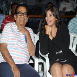 Writer Kona Venkat's production Geethanjali audio release will be held tomorrow, on 20th of July at JRC Convention center in Hyderabad. Anjali plays the title role 'Geethanjali' in this horror comedy flick with Brahmanandam in a comic role as Saithan Raj. Harshavardhan Rane, Srinivas Reddy and Rao