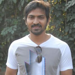 Kappal is an upcoming Tamil comedy caper directed by debutante Karthik G Krish. Latest is that filmmaker Shankar has bought the distribution rights of Kappal for good amounts. Karthik was Shankar's assistant director for Superstar Rajinikanth's Sivaji and Enthiran. The budding director reported tha