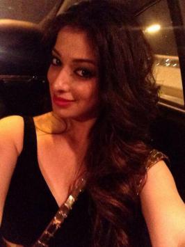 Raai Laxmi Selfie Images, Actress Lakshmi Rai Selfie Photos, I Am Lakshmi Rai Selfie Facebook Images