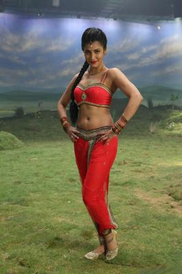 Shruti Hassan Latest Hot Photos in Poojai Movie Images, Sruti Hassan Latest Hot Pics, Shruti Hassan New Hot Images