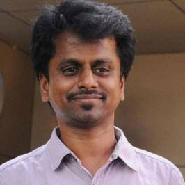 Director AR Murugadoss who has all the reasons to smile after his latest Tamil film Vijay's Kaththi has become a huge hit, breaking all the earlier records of Thuppakki.
