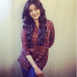 It is known that Kajal Agarwal is playing Dhanush's love interest in upcoming Tamil film 'Maari'. Shooting of the film started recently and Kajal has revealed her look.