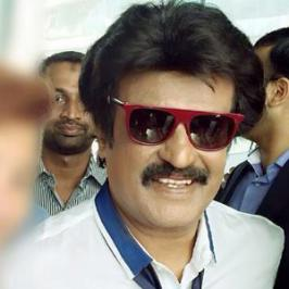 The Madras High Court has issued a notice to the makers of Tamil actioner Superstar Rajinikanth's Lingaa, on a writ petition filed by aspiring filmmaker KR Ravi Rathinam who accused them of stealing his script.