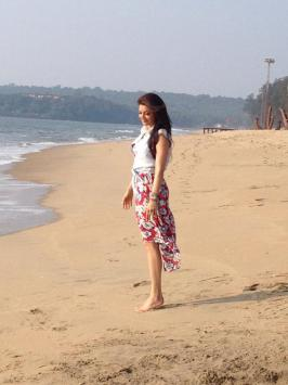 Kajal Agarwal in Goa Beach, Kajal Agarwal Holiday Resorts Photos, Kajal Agarwal in Holiday Trips with Friends Images, Kajal Agarwal in Party Pics Gallery