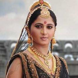 After releasing the Regal Look of Anushka as Rudhramadevi for New Year, makers of this epic historical film are planning to release the film's theatrical trailer for Sankranthi.