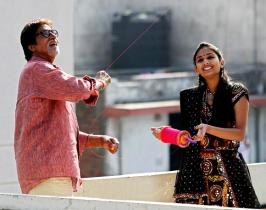 Amitabh Bachchan flies kites on Makar Sankranti