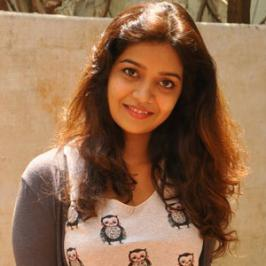 Southern actress Swathi popular as colors Swathi has given her nod to replace Anjali in the sequel of last year's superhit horror flick Geethanjali.