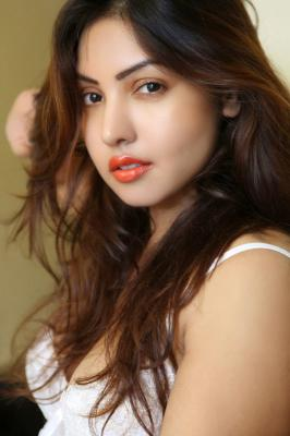 Komal Jha South Indian Actress Latest Image Gallery        |         Movie Image Gallery