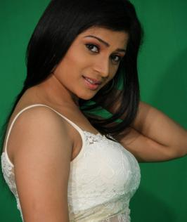Romantic Target Movie Stills, Telugu Film Romantic Target Photos, Romantic Target Hot Images, Romantic Target Latest Hot Gallery