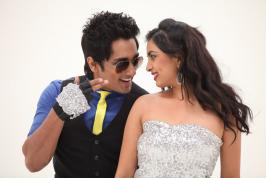 Enakkul Oruvan Movie Review, Enakkul Oruvan Review and Movie Rating by cinecoffee.com
