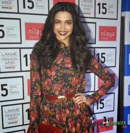 Deepika Padukone Stills in Sabyasachi Show at Lakme Fashion Week