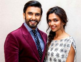 Deepika Padukone stayed by Ranveer Singhs side at the hospitals side at the hospital