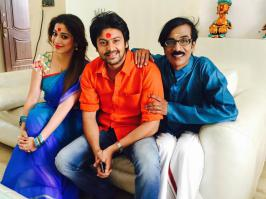 Sowkarpettai Shooting Spot Photos, Sowkarppetai Movie Working Stills, Raai Laxmi Cute at Sowkarppetai Film Images
