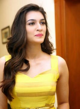 Kriti Sanon at Dochey Movie Audio Launch Photos