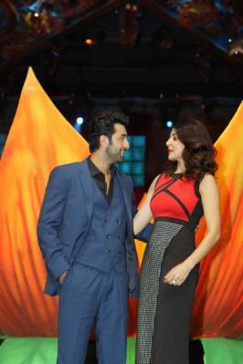 Ranbir With Anushka Promote Bombay Velvet On IGT 6 Sets Photos, Anushka Sharma, Ranbir Kapoor, IGT 6 Television Show Pics