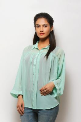 Buy online Womens Western Wear in India at low price. We provides a wide range for Summer Dresses like trendy Tops and Shirts with different colours and design.