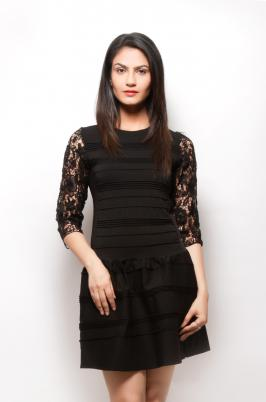 Dec port is the leading online store for women western wear in all lifestyle and fashion needs. We have established Dec port with an idea to give our buyers the best fashion deals online with Indian life style and e-commerce store deals in wide range of fashion products. Western dresses for women provides many alternatives such as women's jackets, t-shirts, sweaters, denim jeans, tops and a lot of more alternatives. By wearing these best brands for western dresses for women they get a chance to show their category, their self-belief.