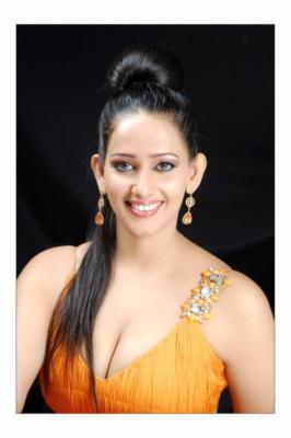 Sanjana Singh Hot Navel,Cleavage,Sanjana Singh Hot Pics hot sanjana singh,Sanjana Singh Latest Hot
