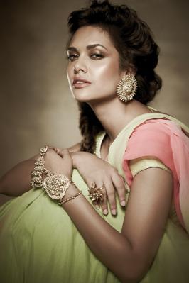 Esha Gupta poses for Filmfare Photoshoot, Bollywood, Actress, Model, 2015, Latest, New, Pics, Hindi, Cute, Images, Mobile, Android, Smartphone, Hd, High qulaity