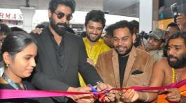 KLM Fashion Mall had been launched at Ameerpet where Rana Dggubati,Vijay Devarakonda and Anu Emmanuel had opened where she looks gorgeous.