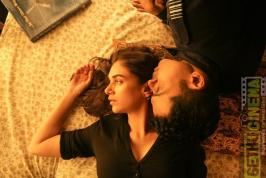 Kaatru Veliyidai - Fascinating characters who are poles apart fall for each other and the love story is set in the back drop of Kargil War.