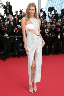 Karlie Kloss was looking hot in white shining dress in Cannes 2015 film festival.