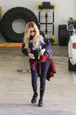 Khloe Kardashian – Visits Gym in LA