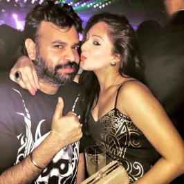 Premgi Amaran with Actresses Recent Pub Party, Recent, Unseen, Leaked, Pics, Latest, Night, Tamil, Photos