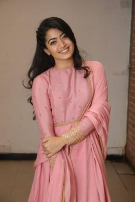 Rashmika Mandanna Photos, Rashmika Mandanna Images, Rashmika Mandanna Pics, Actress Rashmika Mandanna, Rashmika Mandanna Latest Stills, Rashmika Mandanna Latest Images, Rashmika Mandanna HD Photos, Rashmika Mandanna Hot, Rashmika Mandanna Hot Photoshoot, Rashmika Mandanna Wallpapers, Actress Rashmika Mandanna Images