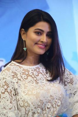 Sneha Comfort Pure Fabric Conditioner Launch Photo Gallery, Sneha Comfort Pure Fabric Conditioner Launch Stills, Comfort Pure Fabric Conditioner Launch, Actress Sneha Photos Online, Sneha, Actress Sneha Latest Stills, Actress Sneha Photos, Sneha Photo Gallery, Sneha Photo Shoot, Sneha Wallpapers